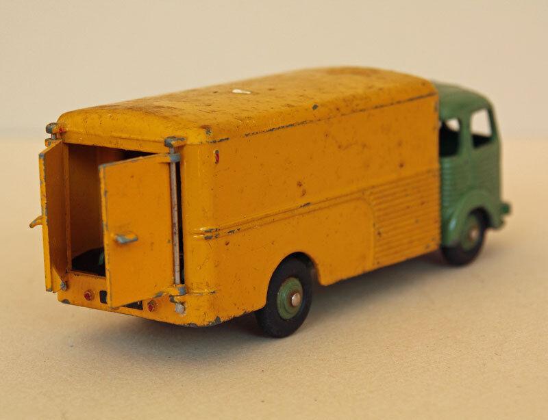 Dinky Toys France. Simca Simca Simca Cargo Ref 33A 439c6c