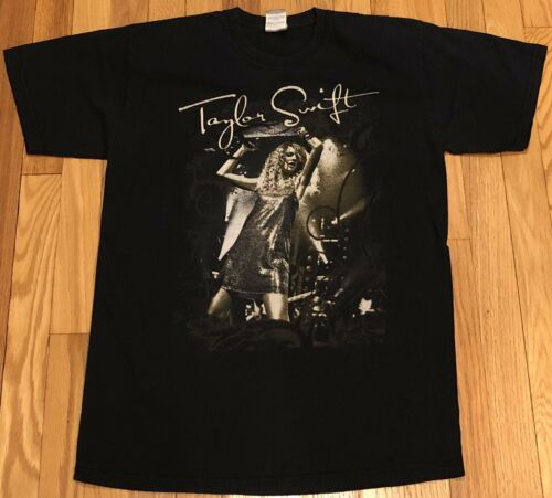 TAYLOR SWIFT sz Med 2009 Fearless Tour Dates T-Shi