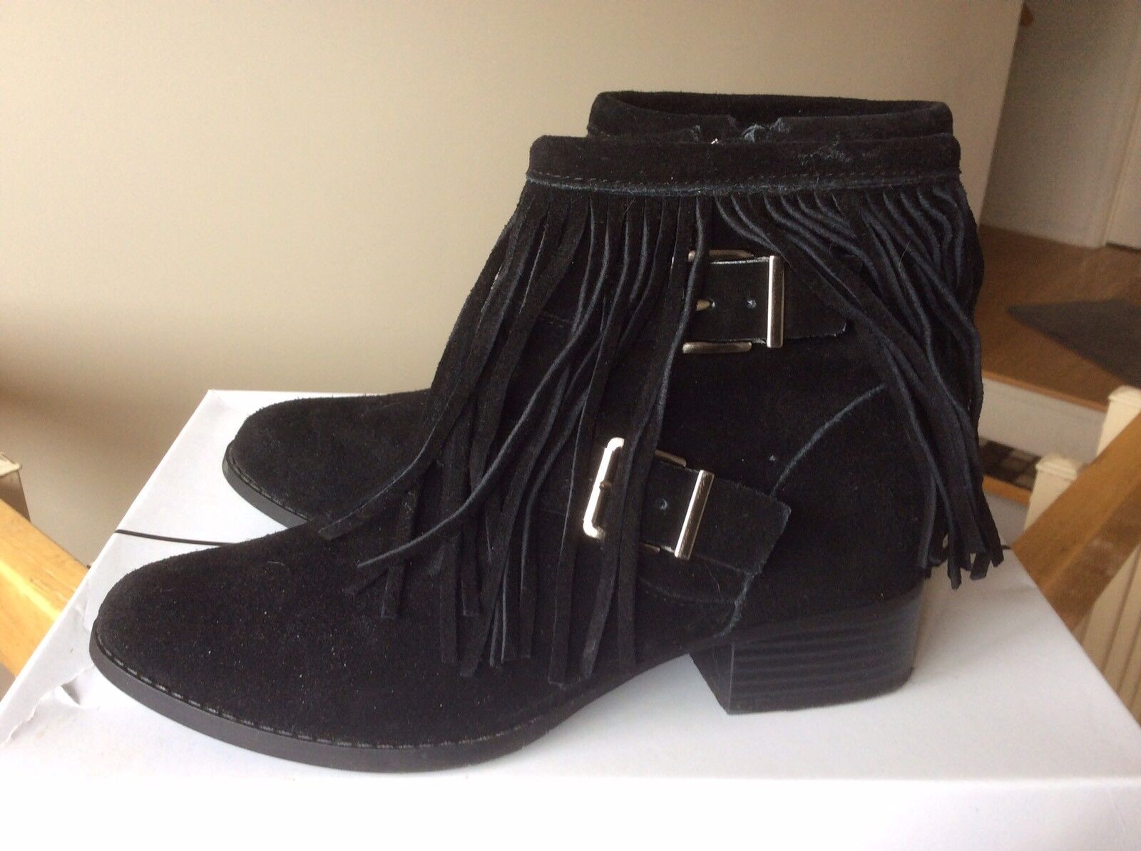 Women's BCBGeneration Capricorn Suede Fringe Booties Bootes Shoes Sz 36 NEW