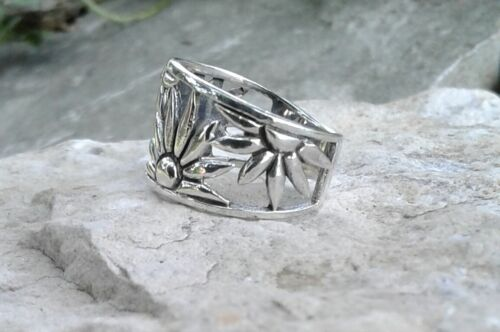 Fleur Bague solid sterling silver Flower Ring