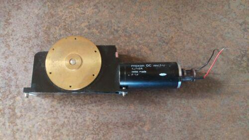 Maxon Model 137488 DC Motor mit Siemens 00322513-01 Schnecken Getriebe Rundtisch