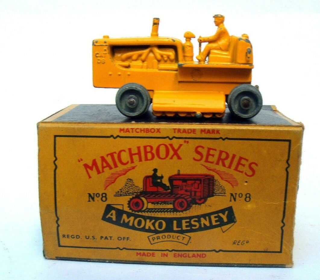 Matchbox Lesney 8 Caterpillar Tractor  Box.Vintage.1957