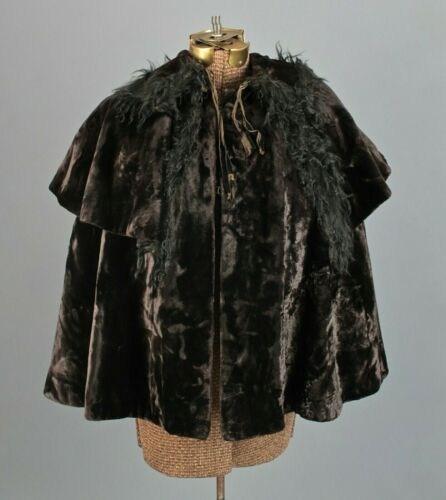 1900s Edwardian Velvet /& Horsehair Cape  Antique 1900s Dark Brown Velvet Seal Fur Edwardian Cape  Antique 1900s Witchy Gothic Capelet
