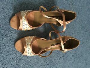 Ladies ballroom dance shoes. 7 1/2