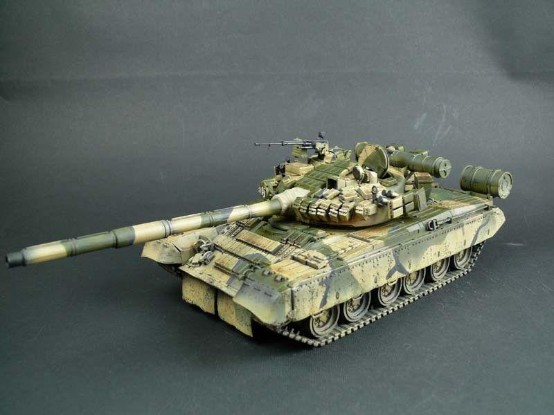 1 35 Built Soviet Medium Tank T-80 BV - Built 1 35