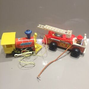 Vintage-Fisher-Price-Toys-Wooden-Fire-Engine-Retro-70-s-Toy-720-Toot-Toot-Train