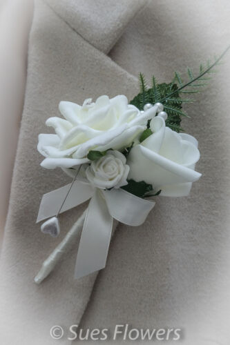 Double Luxury Buttonholes in Ivory