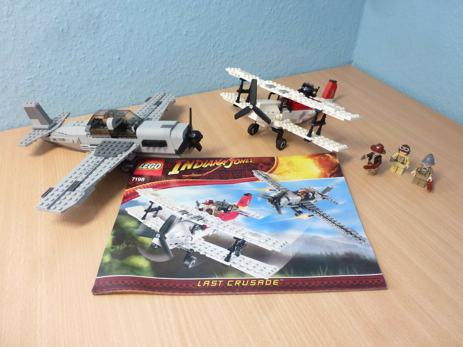 Lego 7198  Indiana Jones Set - Flucht im Flugzeug + Bauanleitung 544  se hâta de voir