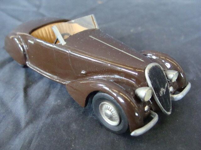 Alfa romeo spider 1938 idee 2900 b 8 c 3 n 14 1   43 altes spielzeug jahrgang