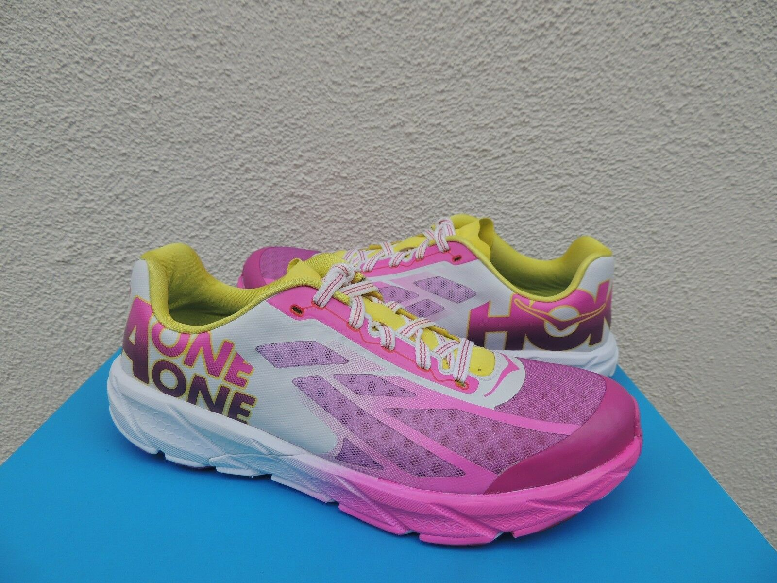 HOKA ONE ONE TRACER FUSHIA CITRUS ROAD RUNNING SHOES, WOMEN US 7/ /3