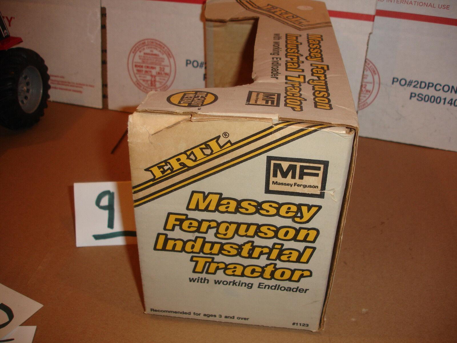 116 Massey Ferguson 50 Trattore e autoicatore