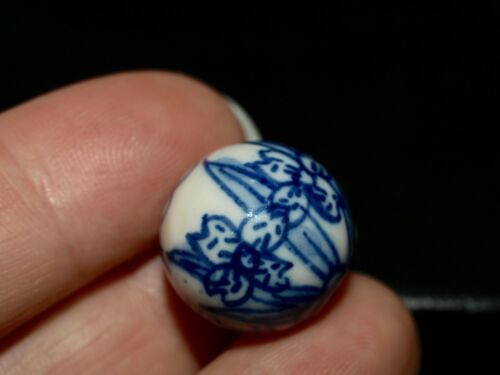 One Vintage Blue White Porcelain Chinese Bead Flowers Leaves Writing 16mm Round