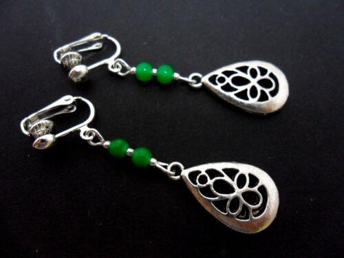 Nueva. Un PAR PLATA TIBETANA lágrima y Verde Jade Bolas colgantes pendientes de clip