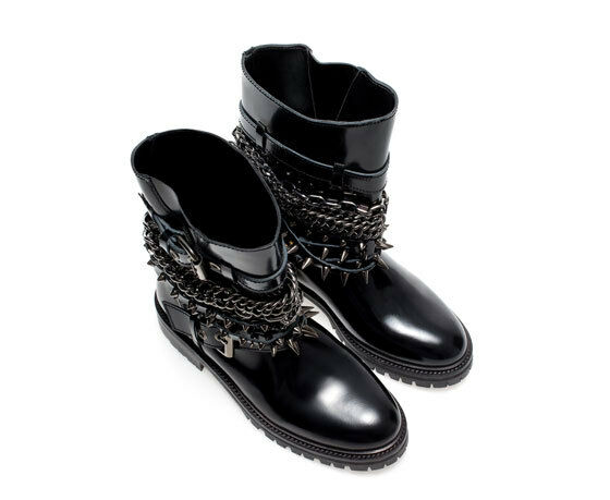 ZARA SIZE BLACK SHINY LEATHER Stiefel WITH CHAINS AND SPIKES SIZE ZARA 3UK 36EUR LAST SIZE 34a24d