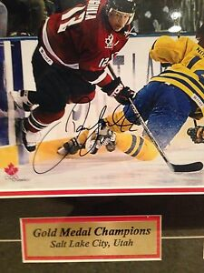 Details about Jerome Iginla Signed Team Canada 2002 Olympics Gold Medal  Framed Matte Photo