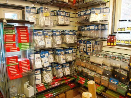Die Cut Card Kit /'N/' Gauge Metcalfe PN814 Greenhouse 2nd Class Post