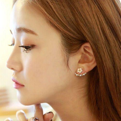 Fashion Women Jewelry Elegant Crystal Rhinestone Ear Stud Daisy Flower Earrings