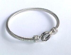 Horseshoe-Clasp-CZ-Cable-Bracelet