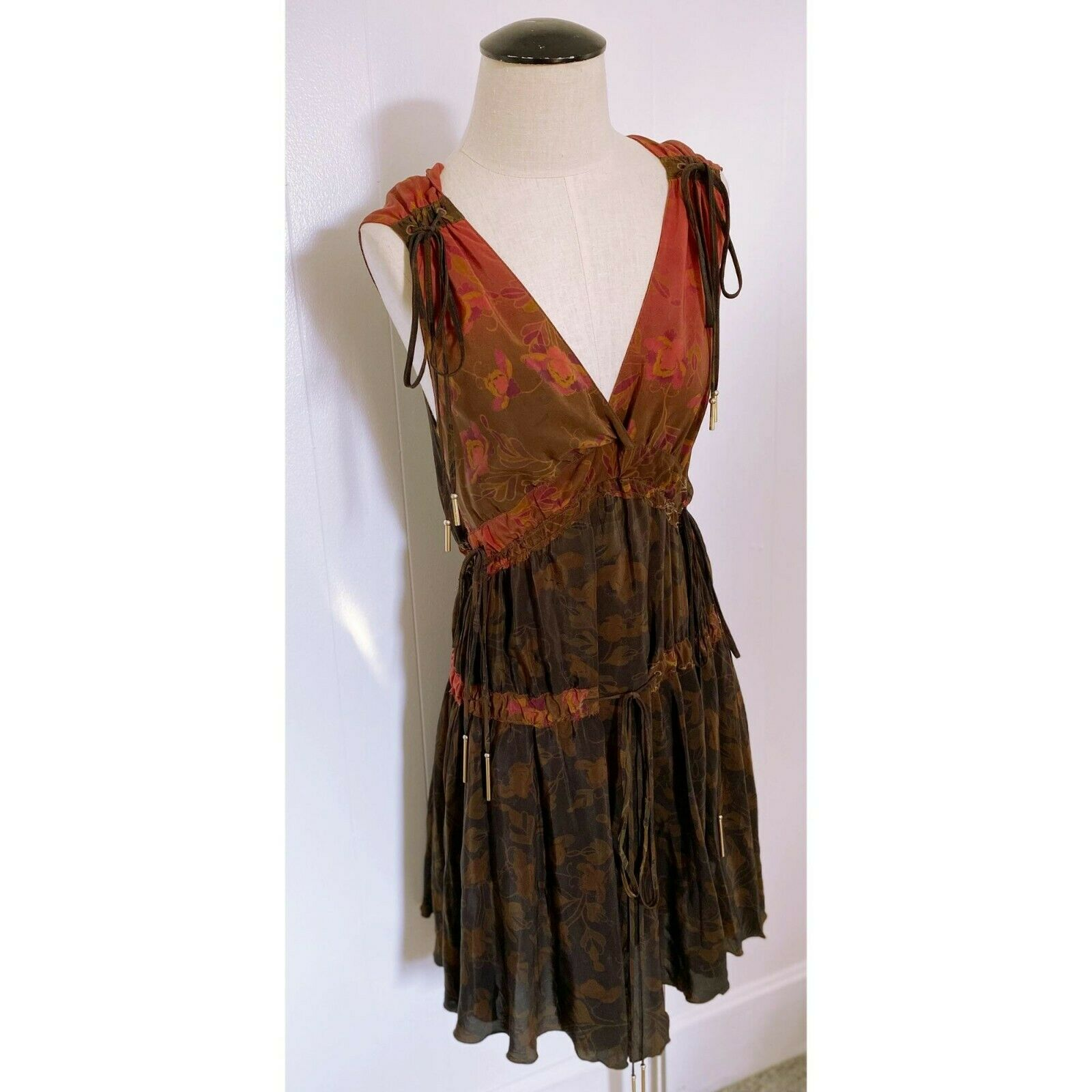 Bally 100% Silk Made in Italy Dress V Neck Boho Tiered Tie Tassel Size 8 Brown