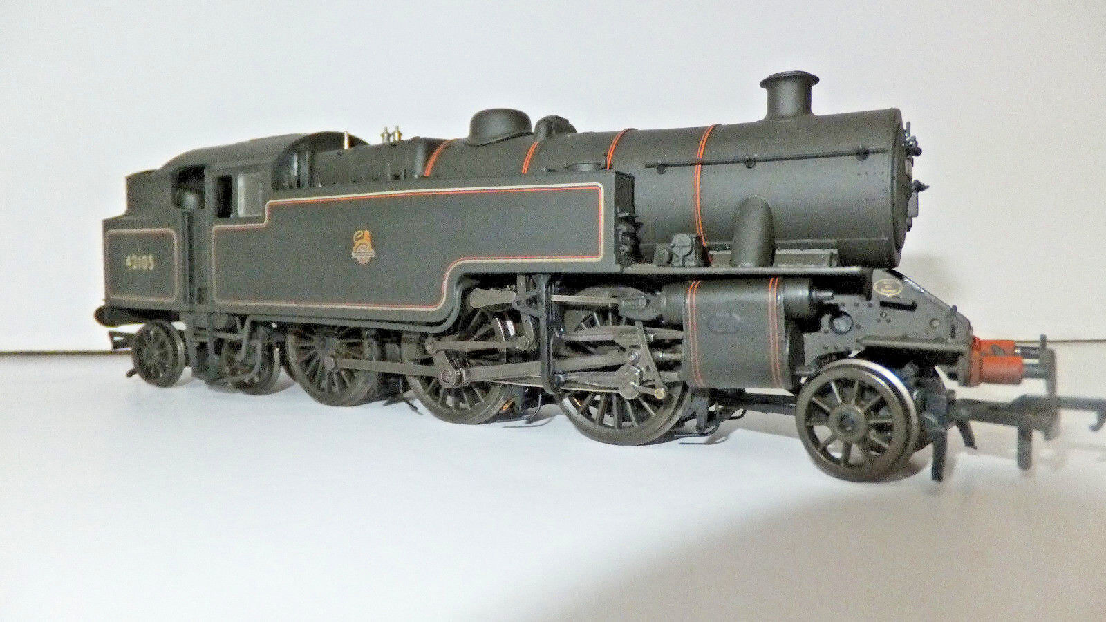 Bachmann FAIRBURN tank cat. no. 32-881, no 42105 in BR nero, weatherosso, E Crst