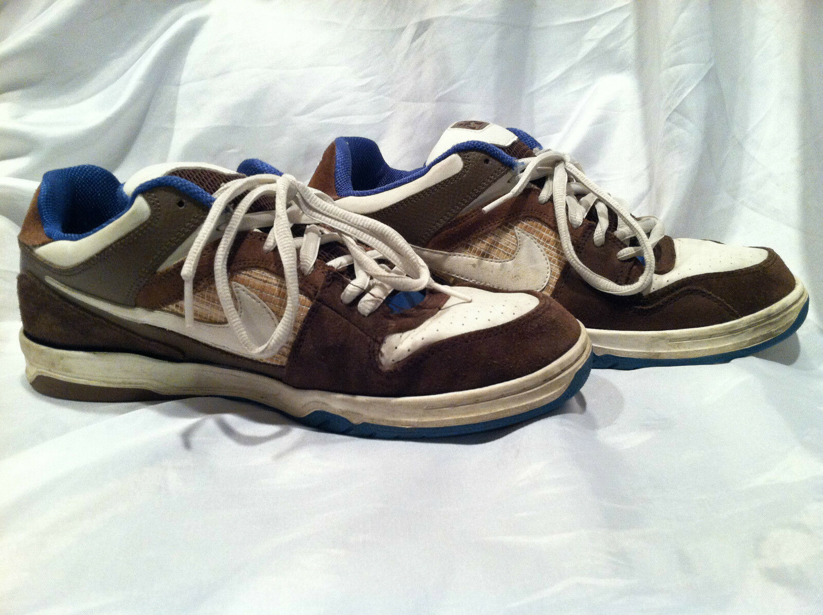 2008 NIKE 6.0 Sneakers Size U.S. 12 Brown/White/Blue