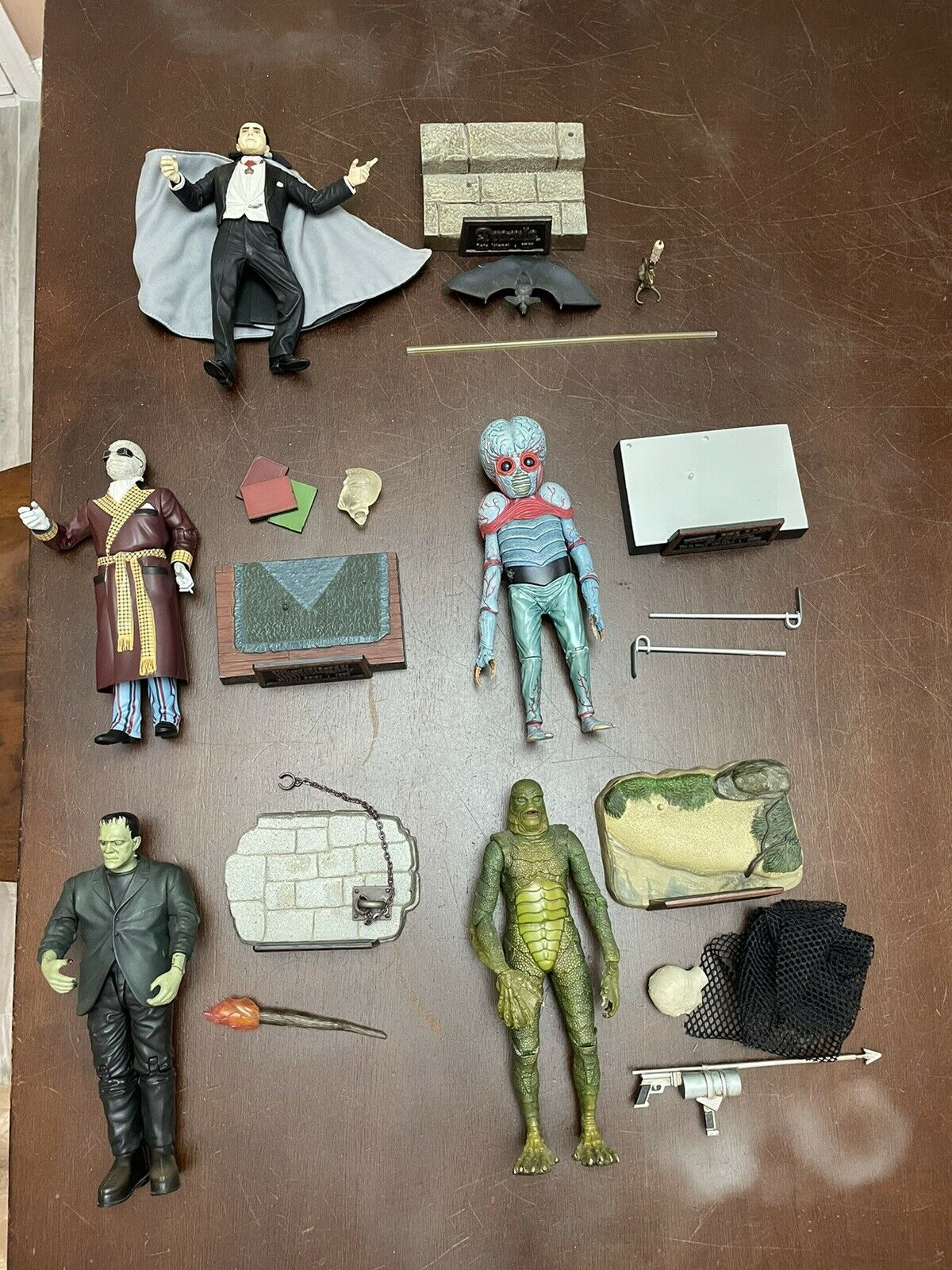 sideshow universal monsters Figure Lot Dracula, Frankenstein Metaluna Creature on eBay thumbnail