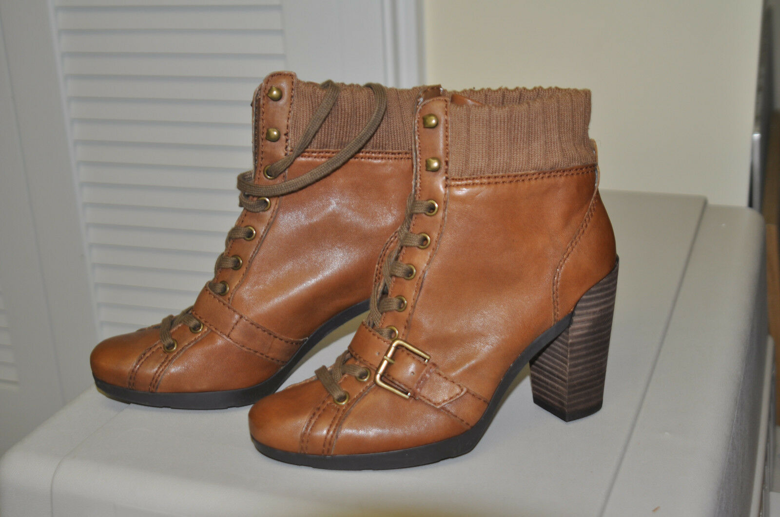 NEW -NINE WEST CUZZA Lace Up  Ankle Boots Brown Leather Womens Size 7.5
