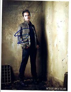 Thomas-Dekker-Signed-Autograph-8x10-Photo-A-Nightmare-on-Elm-Street-COA-VD