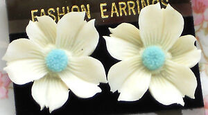 #1372 Vintage Earrings Pierced Lucite Flowers Flower White Powder Blue NOS