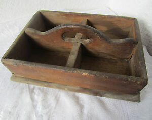 ANTIQUE PRIMITIVE WOODEN Crate w/ Handle Wood tote / caddy  box  > square tray