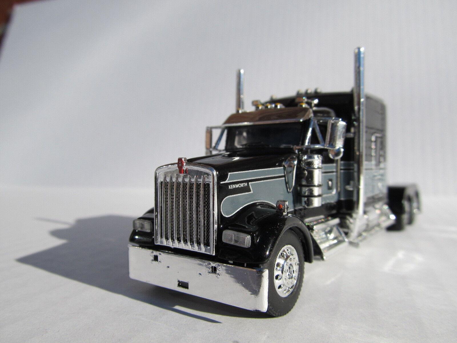 Dcp Escala 1 64 W-900 Kenworth Studio Sleeper nero Con grigio Seminole Stripe