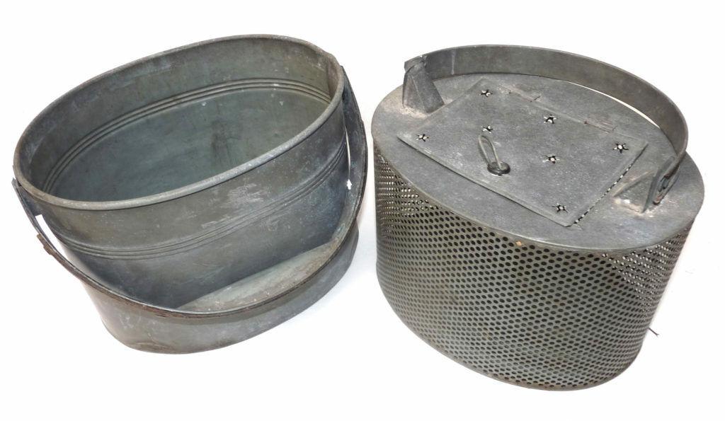 Cebos metálicos antiguos, latas de pescado o jarras de cebo vivo, con forro desmontable