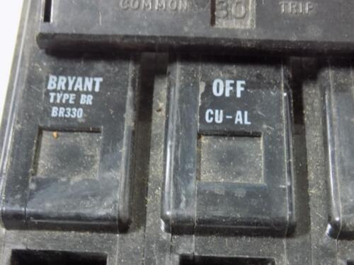 BRYANT 30AMP 3 POLE TYPE BR330 CIRCUIT BREAKER