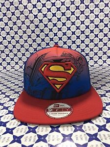 Cappello-NEW-ERA-Hero-Scene-SUPERMAN-Cappellino-Royal-Rosso-HEROSCE
