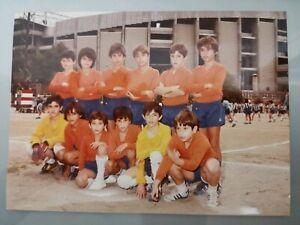 LOTE-F-C-BARCELONA-FOTO-INEDITA-18X13CM-1983-FICHA-TARJETA-OFICIAL-MEYBA-4
