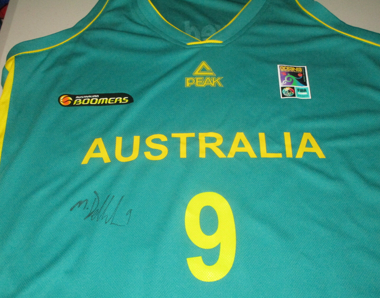 Matthew Dellavedova signed Australian Boomers Basketball jersey green+ proof