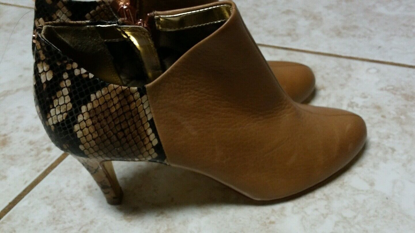 TED BAKER BOOTIE SNAKE PRINT LEATHER. SHOES SIZE 6 US