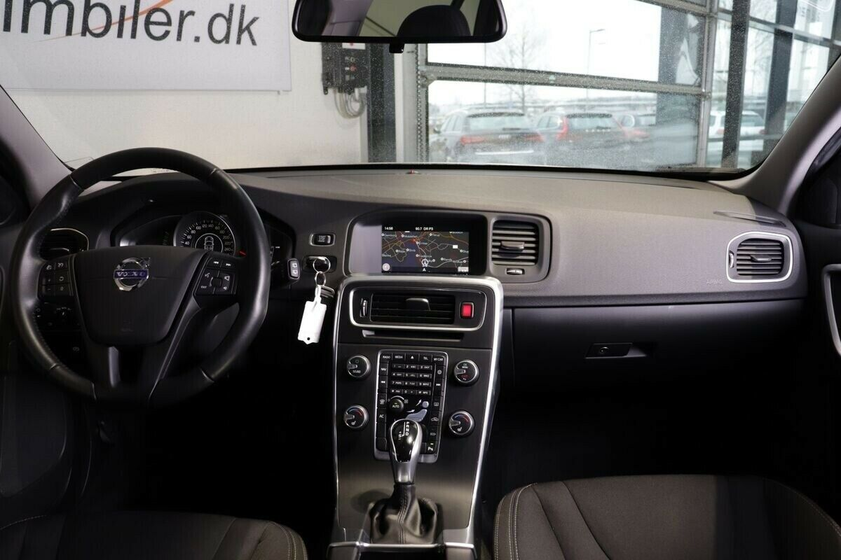 Volvo V60 CC D3 150 Kinetic aut.