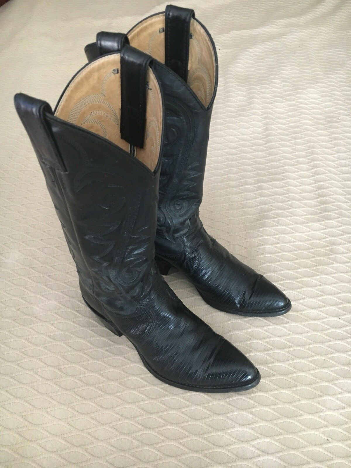 JUST DISCOUNTED Vintage Justin Womens 6.5 B Black Leather Lizard Cowboy Boots