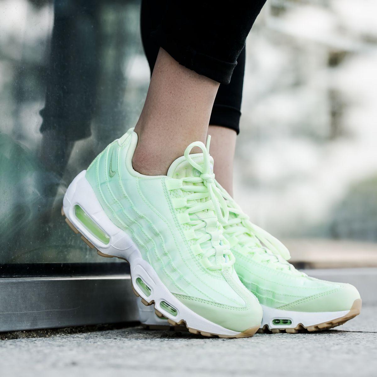 408e272601 Nike Air Max 95 WQS Womens 919491-300 Liquid Lime Satin Running ...