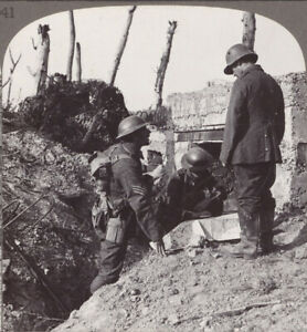 WW1-Interrogating-Bosche-Prisoner-During-Our-assault-on-the-Hohenzollern-Redoubt