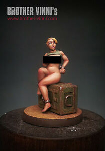 Slave Girl 54mm Resin Miniature For Warhammer Warmachine D/&D Sub Series 01