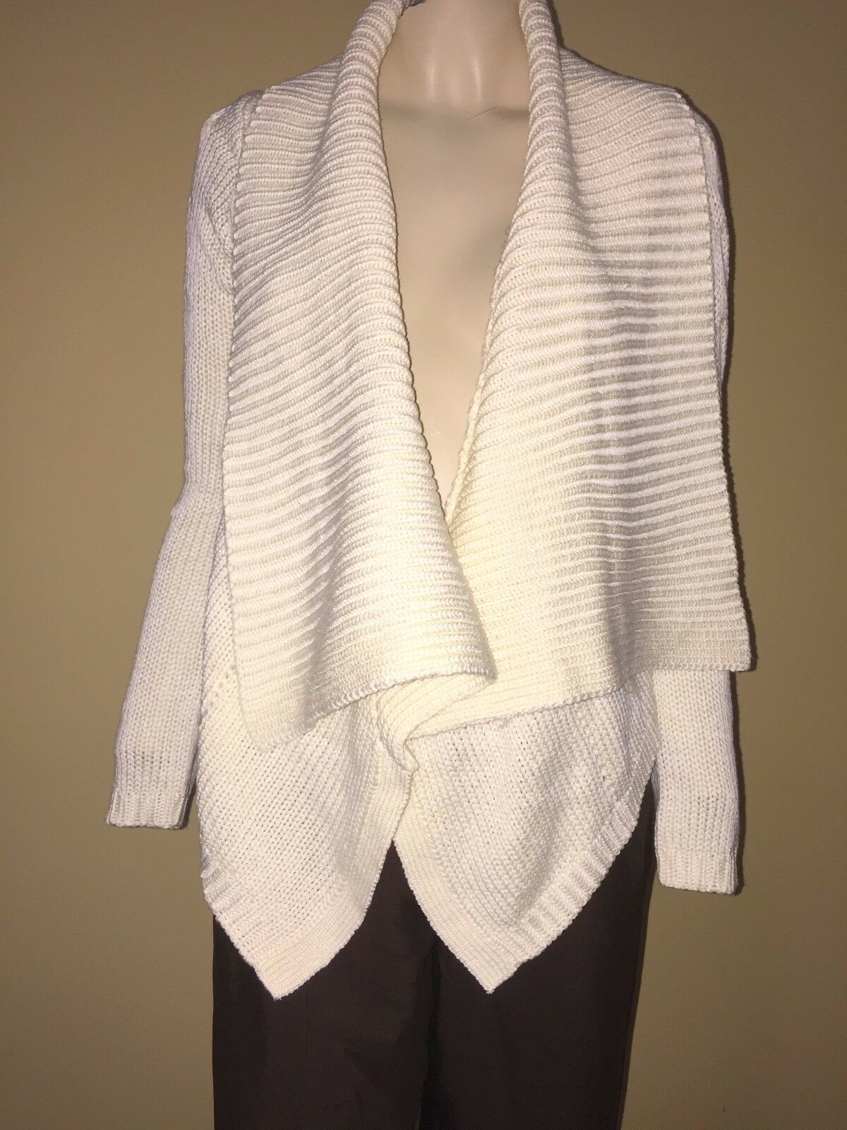 To The Max Gorgeous Cream Open Front Cascade Hi Lo Cardigan Sweater Bust 40