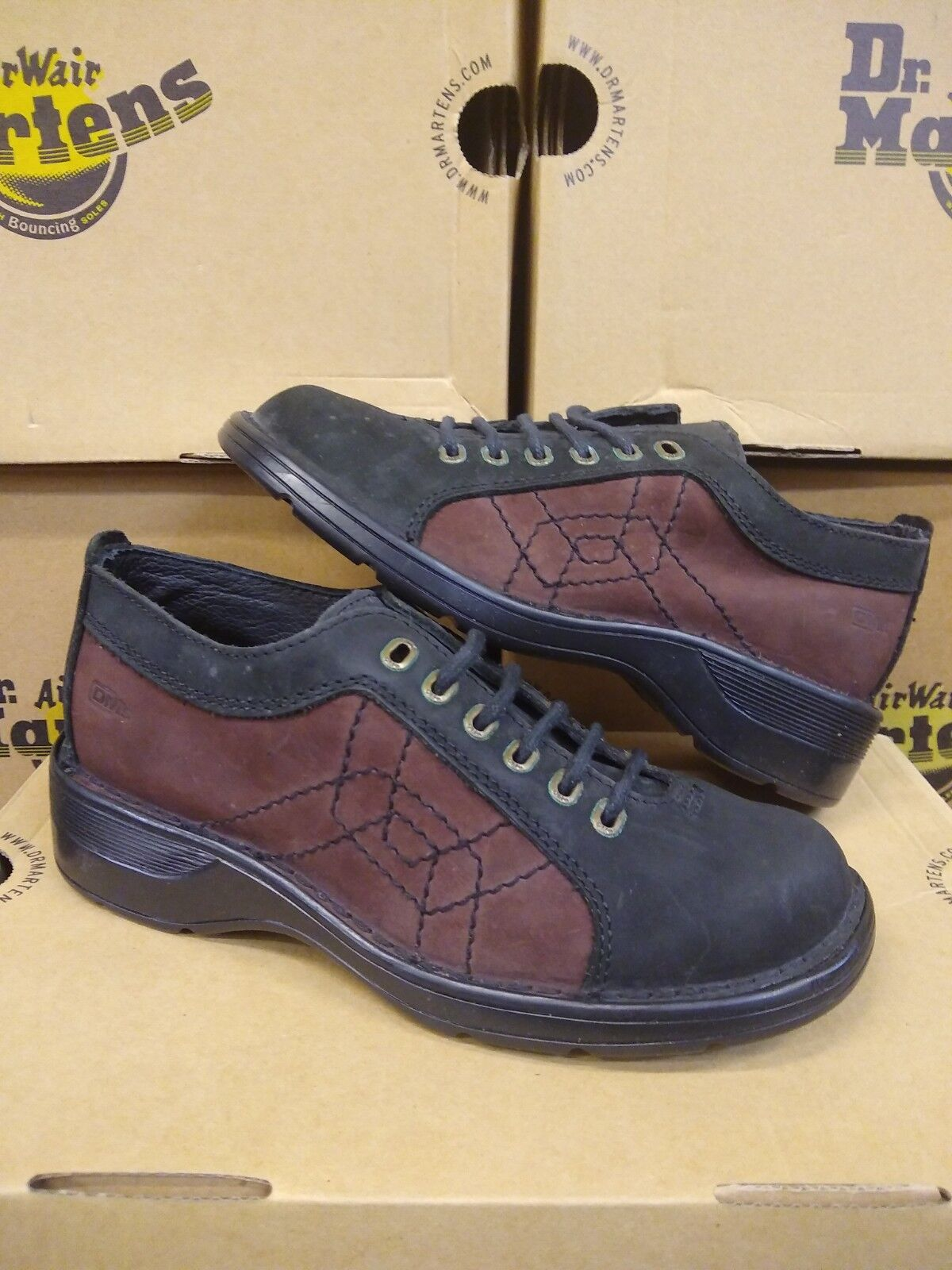 DR MARTENS 9804 BLACK AND WINE SIZE 4