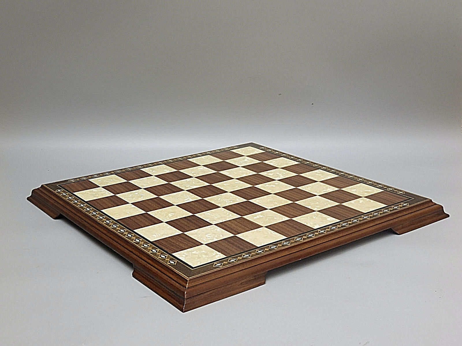 CHESS BOARD HAND CRAFTED SOLID SOLID SOLID WALNUT WOOD HELENA MOTHER OF PEARL 20 - 2618W 0e6a22