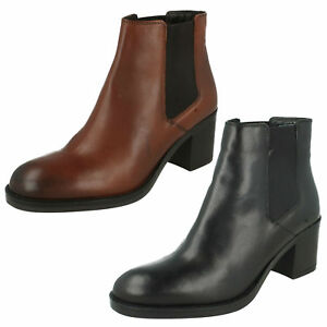 f220ea7887d Details about Clarks Ladies Chelsea Style Boots 'Mascarpone Bay'