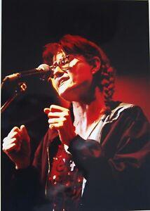 Photo-of-Eddi-Reader-in-concert-original-mounted-11-3-x-8-inch-by-Mel-Longhurst