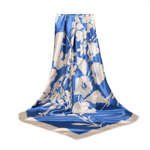 Foulard-90-X-90-cm-100-Soie-Fleurs-Bleu-blanche-SILK-SCARF-seide-Flower-Blue