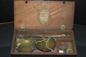 Münzwaage mit 6 Gewichten ca. 1840 Großbritannien (50595)