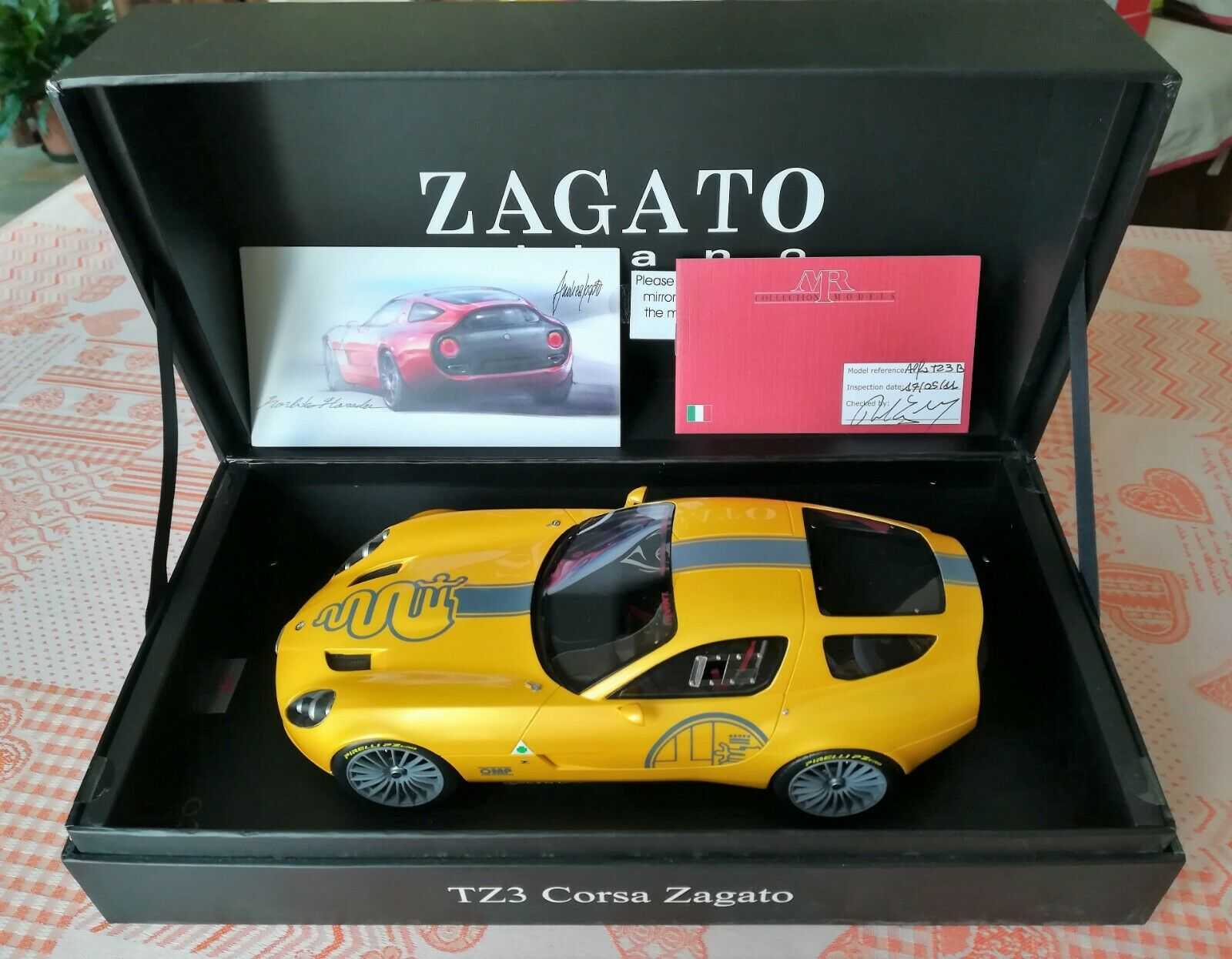 1 18 Mr alfa romeo tz3 Zagato 2010 Yellow Leather base Ltd  50 BBR CMC GMP